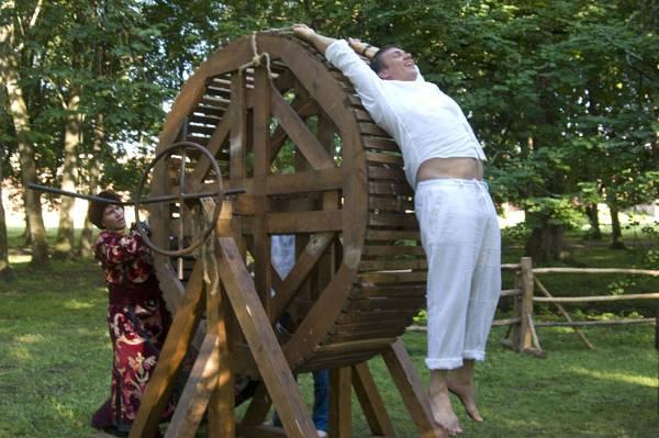 казни и пытки инквизиции