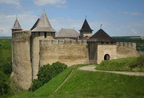 Замок в Хотине